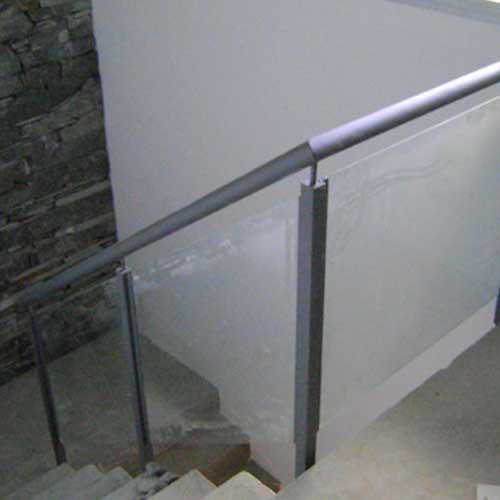 Barandas curvas de vidrio zona oeste zona norte pilar - Barandas para escaleras de hierro ...