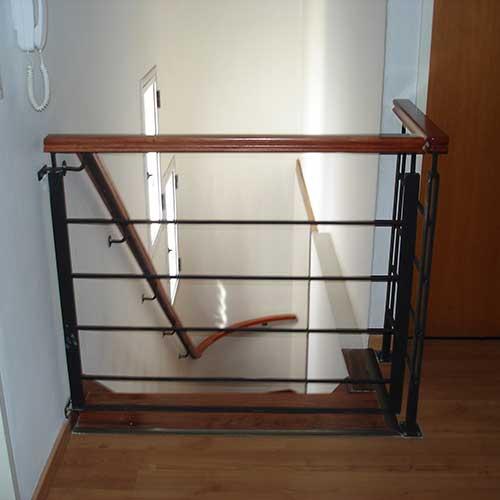 Barandas para escaleras de hierro barandas de hierro para for Escaleras de hierro y madera