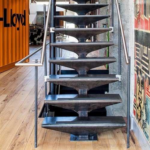 Construir escalera de madera cheap tipos de escaleras y sus ventajas pgina web de construccin y - Como hacer una escalera de madera recta ...